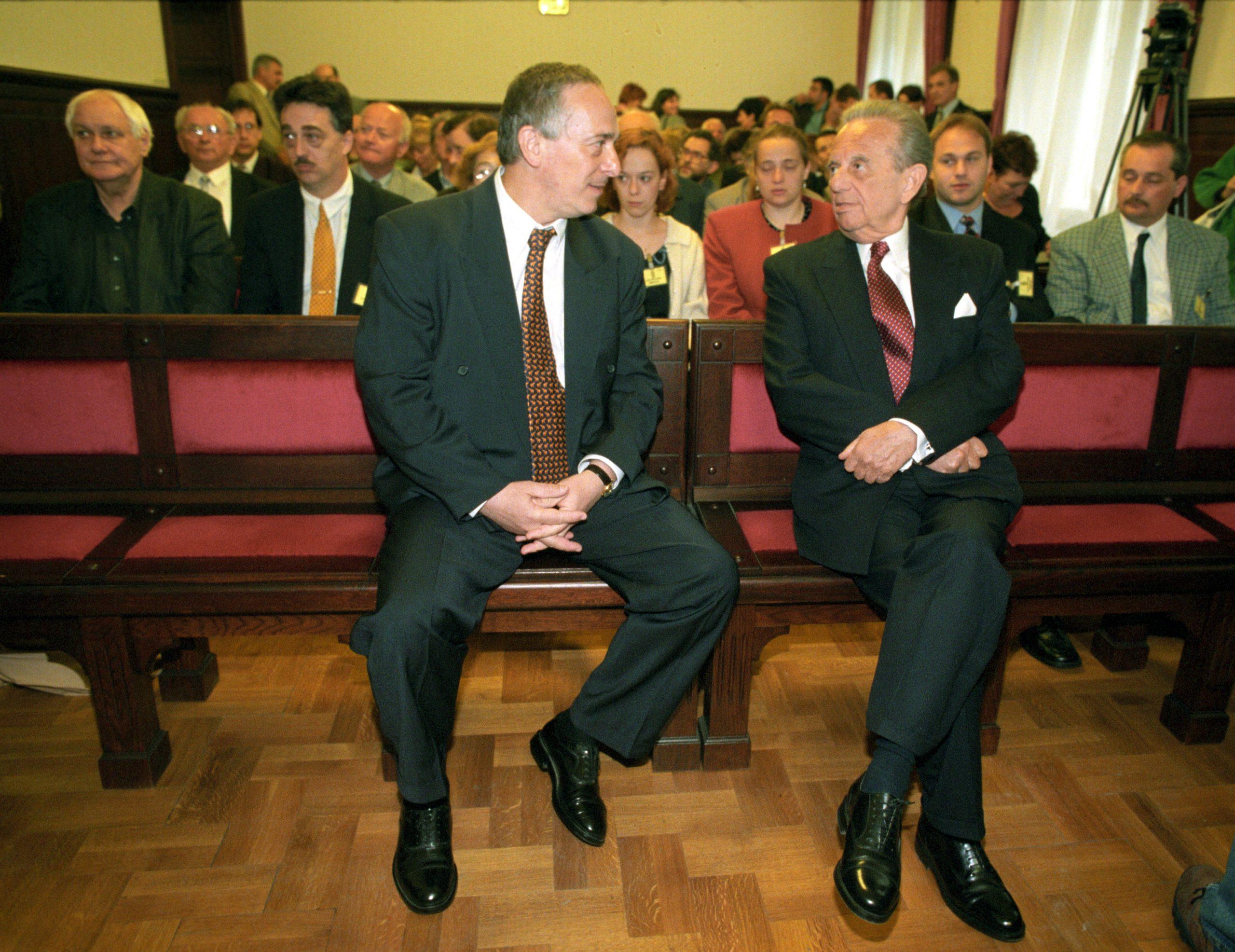 Kunos Péter és Kovács. Mögüttük a bal szélen Jancsó üldögél / Fotó: MTI