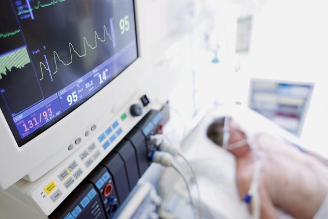 Közel kétszáz lélegeztetőgép érkezik Kínából hazánkba – PestiSrácok