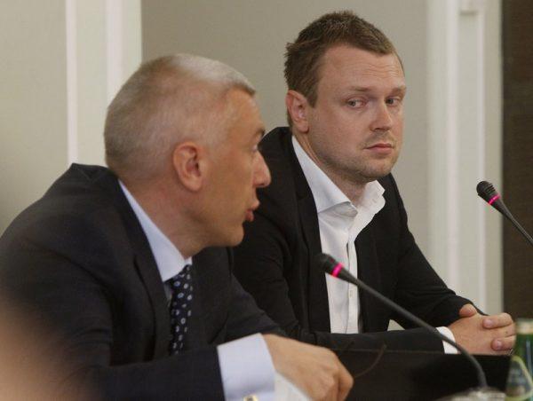 Michal Tusk és ügyvédje (AP/Czarek Sokolowski)
