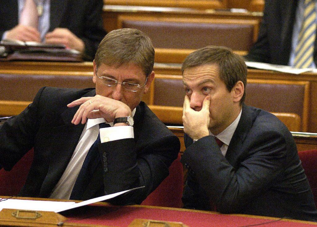 Volt miről pusmognia Gyurcsánynak és Bajnainak... Mindketten úgy kerültek a miniszterelnöki székbe, hogy senki nem választotta meg őket... Fotó: MTI