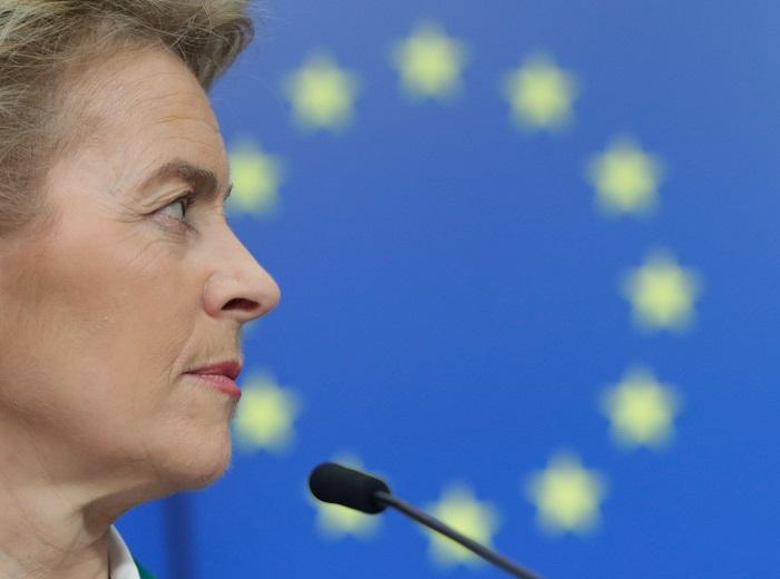 Ursula von der Leyen, az Európai Bizottság elnöke az Európai Tanács brüsszeli épületében tart tájékoztatón 2020. március 16-án / Fotó: MTI/EPA