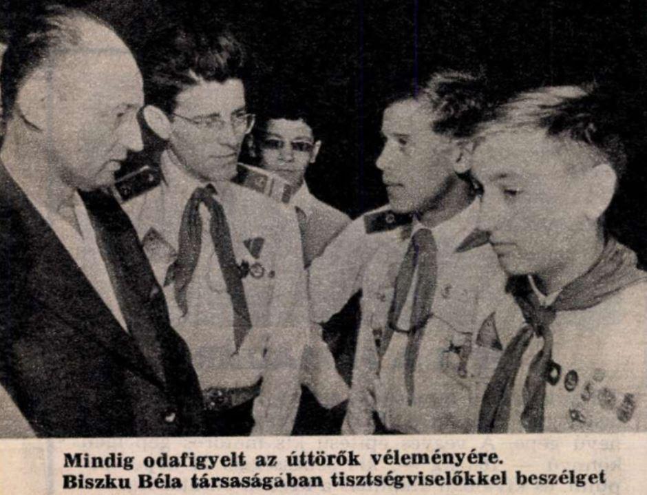 Nádor elvtárs Biszku mellett / Forrás: Pajtás, 1986, Arcanum.hu