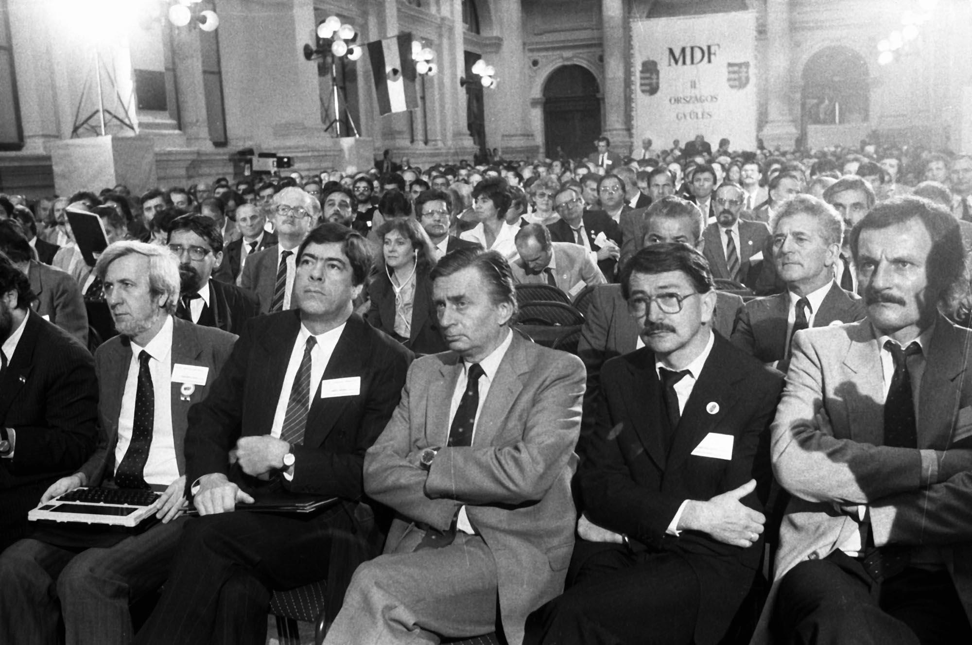 Az MDF Antall Józsefet elnökévé, Für Lajost a szervezet köztársasági elnök-jelöltjévé választotta / Fotó: MTI