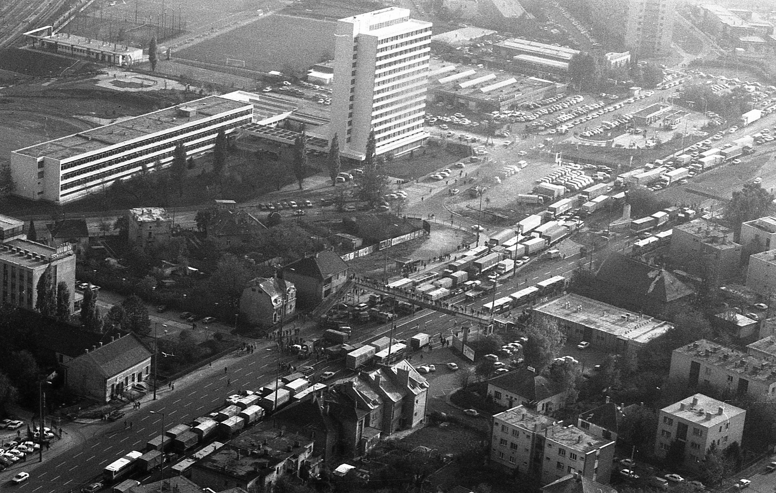 Taxisblokád madártávlatból / Fotó: Fortepan.hu