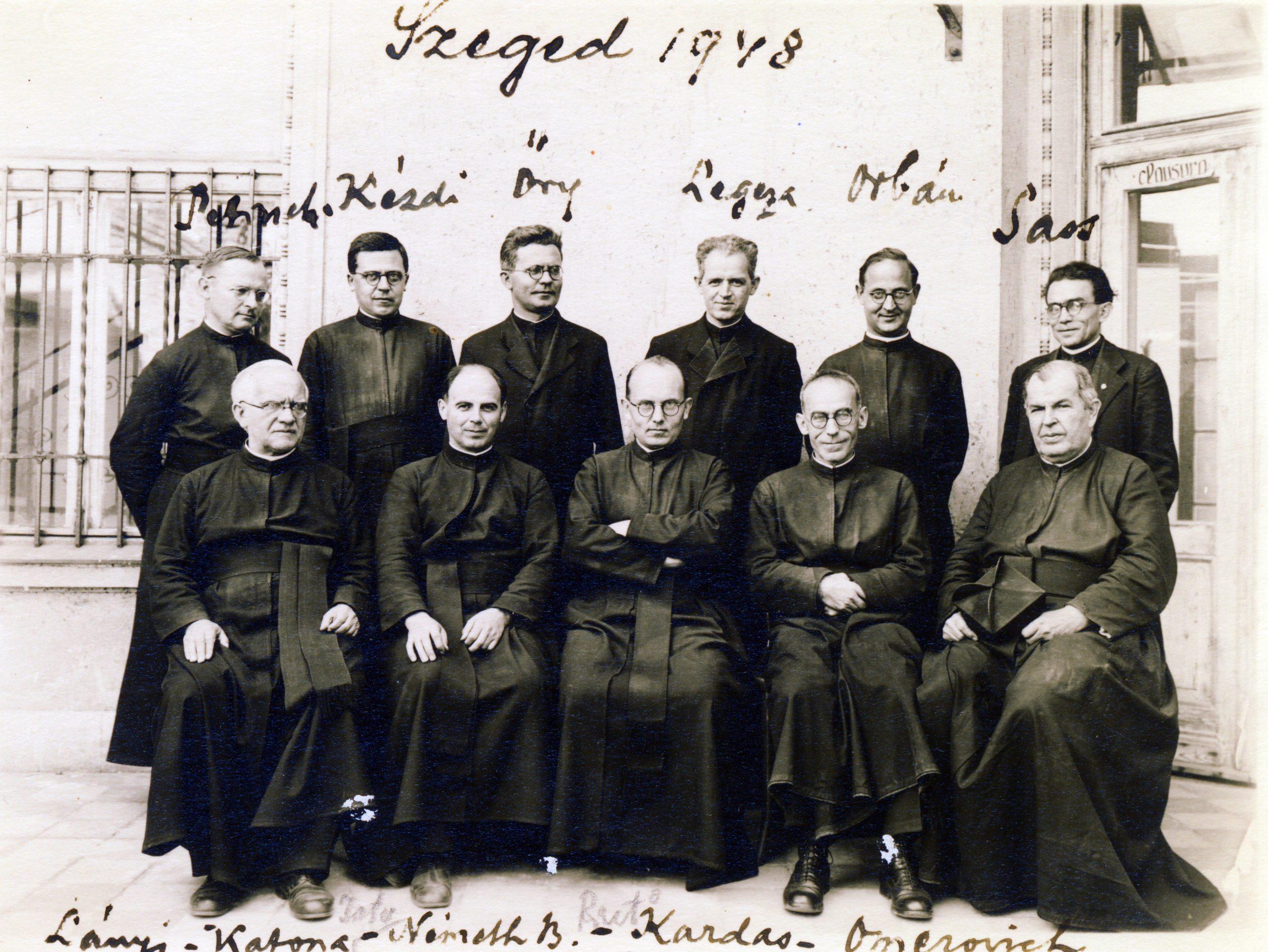 A kép csak illusztráció. 1948, Szeged, jezsuita papok / Forrás: Fortepan/ Adományozó: JEZSUITA LEVÉLTÁR