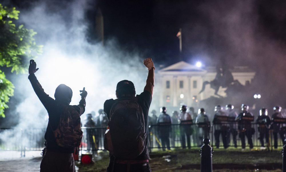 Már Washingtont ostromolják Soros kedvenc antifái, egyre durvább a ...