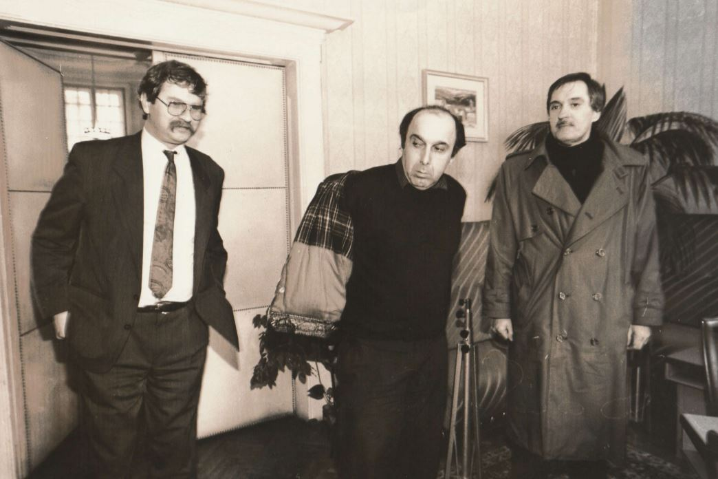 Bencsik Gábor, a MÚOSZ főtitkára, mellette Stefka István és Kósa Csaba a MÚK-tól / Forrás: PS