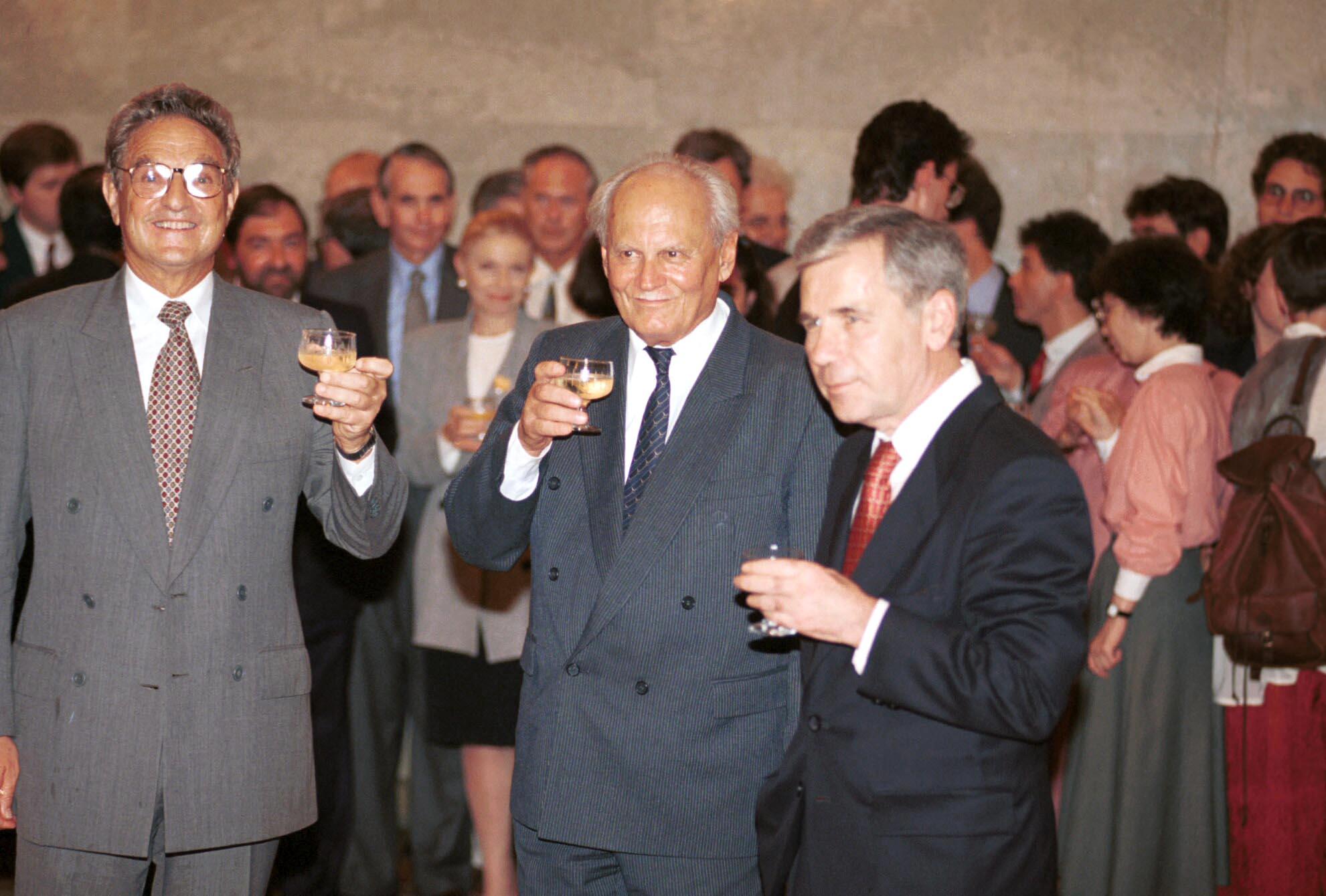 Göncz Árpád, Horn Gyula és Soros György / Fotó: MTI