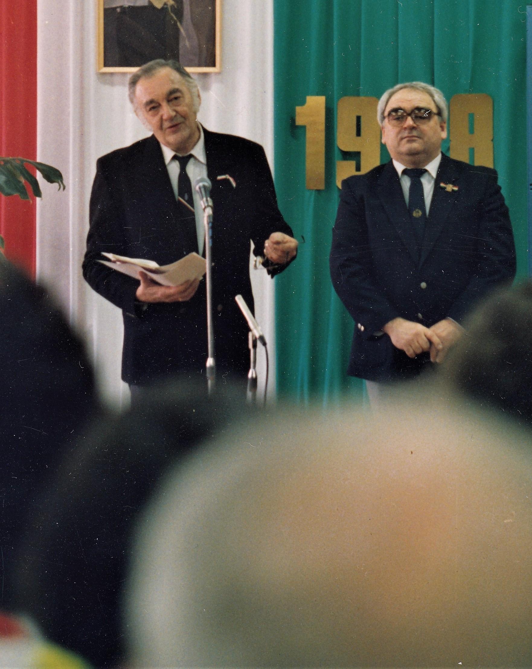 Sinkovits Imre egy 1988-as, március 15-ei ünnepségen / Forrás: EP