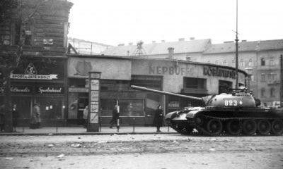 1956. Magyarország, Budapest, 1956. október 31-én. T-54-es harckocsi / Fotó: Fortepan.hu, adományozó: Pesti Srác