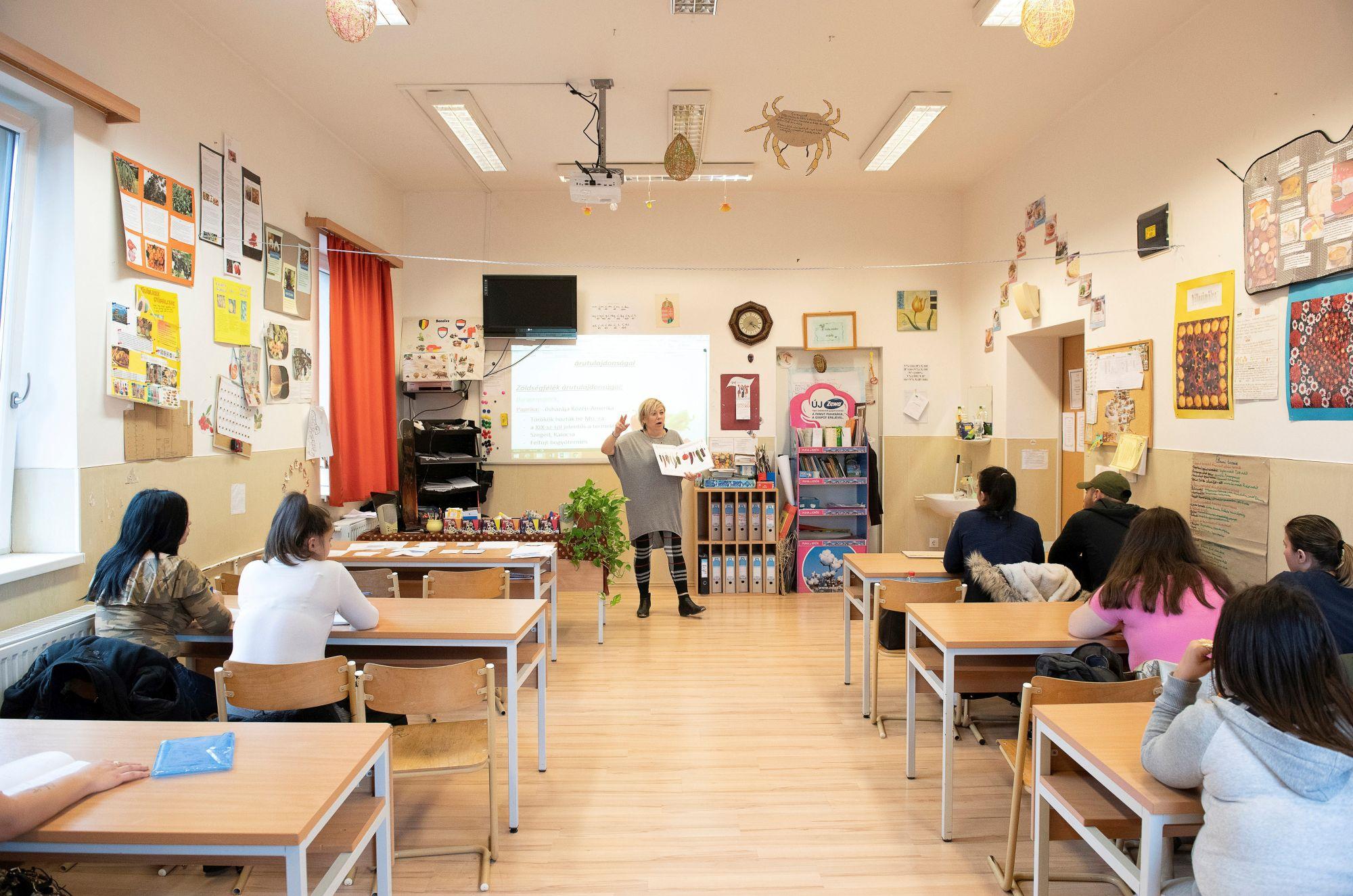 Jobban teljesít az uniós átlagnál a magyar közoktatás
