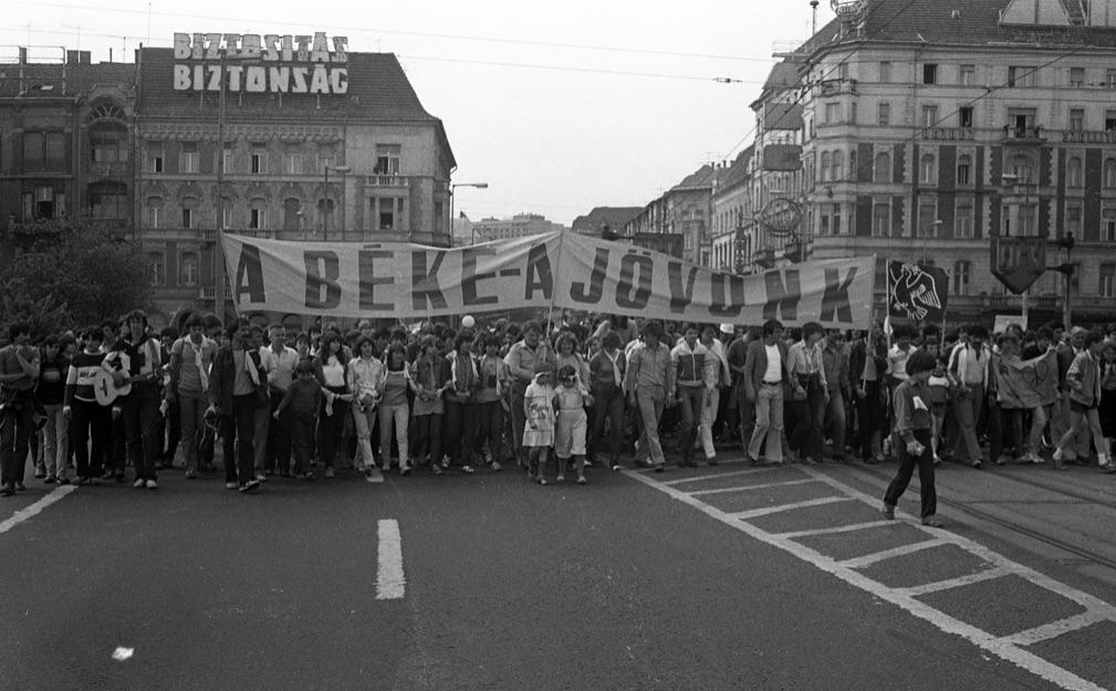 Békemenet, 1983. A mindig aktív Urbán Tamás felvétele / Forrás: Fortepan.hu