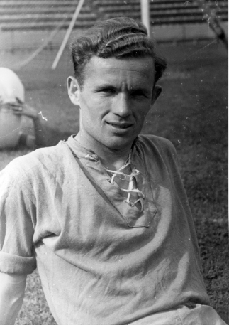 Lakat Károly, immár a Ferencváros labdarúgójaként, 1947-ben, a Fradi mexikói túráján. Fotó: Fortepan - Szabó József