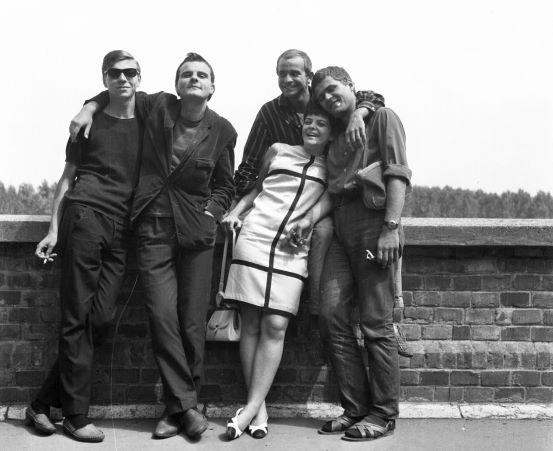 rakpart. Balról jobbra: Úri István, Kovács Lajos, Dózsa László, Jobba Gabi, Vajda László, a Színművészeti Főiskola hallgatói. Fortepan