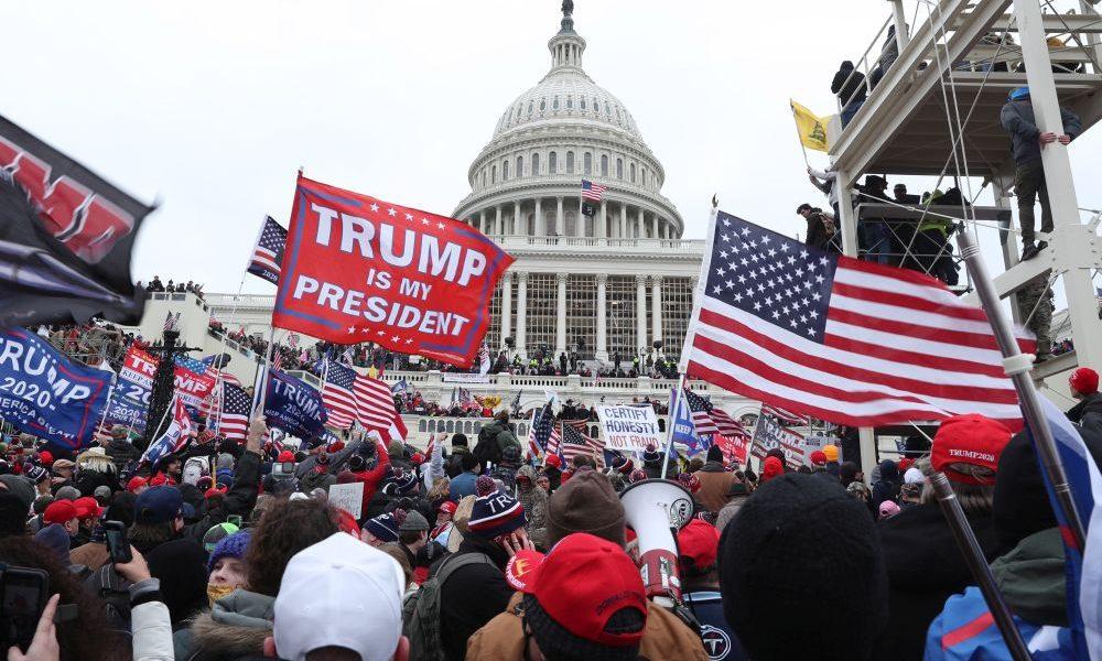 Kíméletlenül le akarnak számolni Trump híveivel a demokraták támogatói thumbnail