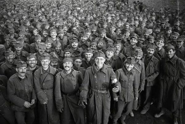 Hadifoglyok. A kép illusztráció. Forrás: Fortepan, Vörös Hadsereg