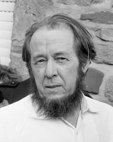 Alekszandr Iszajevics Szolzsenyicin Nobel-díjas orosz író, aki megírta a GULAG rémtetteit.