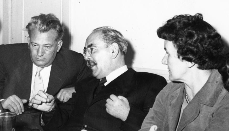 Kommunisták 56-ban: Darvas József, Nagy Imre és Rajk Lászlóné / Forrás: Fortepan.hu, ad.:Jánosi Katalin