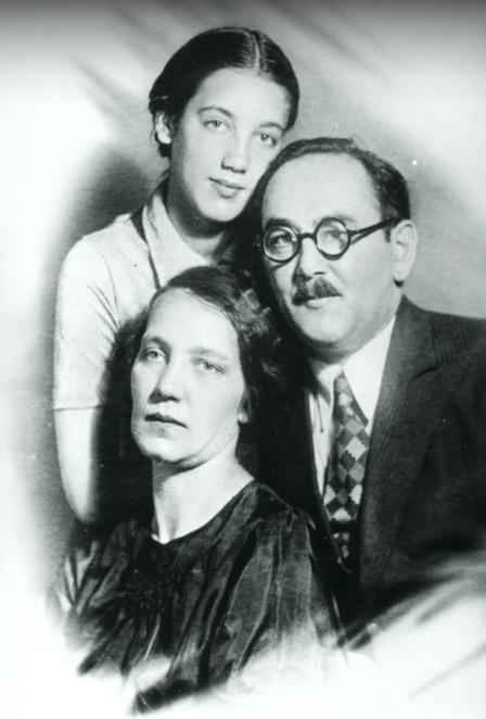 Nagy Imre és családja Moszkvában, 1944 / Fotó: Fortepan.hu, ad.: Jánosi Katalin