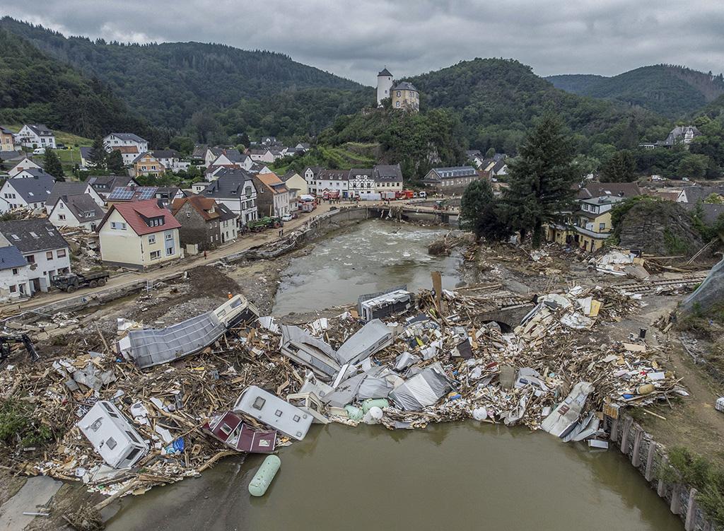 Covid után árvíz – így bünteti Isten a németeket? - PestiSrácok