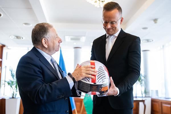 Közlekedésbiztonságról és a Hungaroringről is tárgyalt Szijjártó Péter és az FIA elnöke