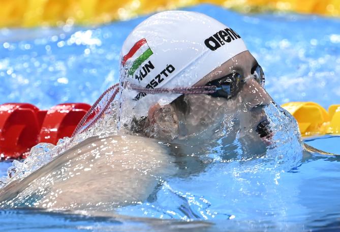 Verrasztó Dávid nagyszerű idővel jutott be a férfi 400 méteres vegyes úszás döntőjébe. Fotó: MTI/Kovács Tamás