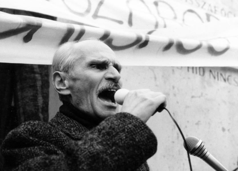 Pákh Tibor a Bem téren 1988 március 15-én / Fotó: Fortepan, ad.: Horváth Ernő
