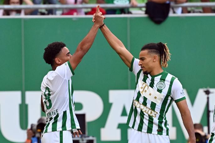 Testvéröröm! A két marokkói légiós, Ryan és Samy Mmaee nagy erőssége a Ferencvárosnak. Előbbi az Újpest ellen is betalált. Fotó: MTI/Illyés Tibor