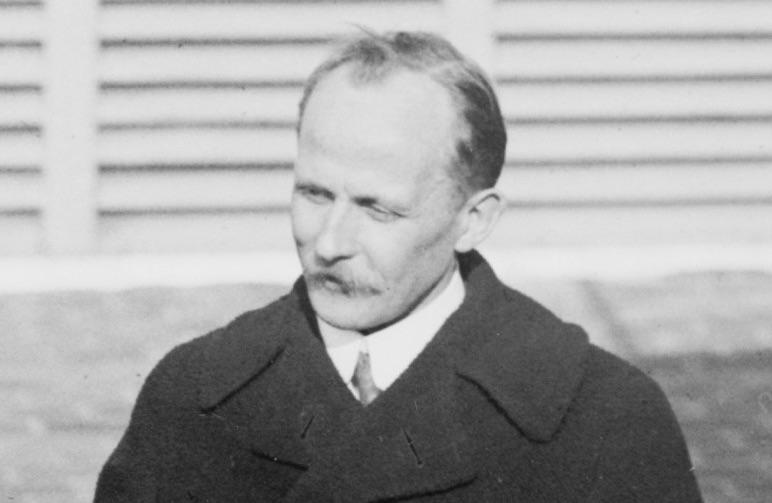 Martens 1920-ban / Forrás: Wikipedia